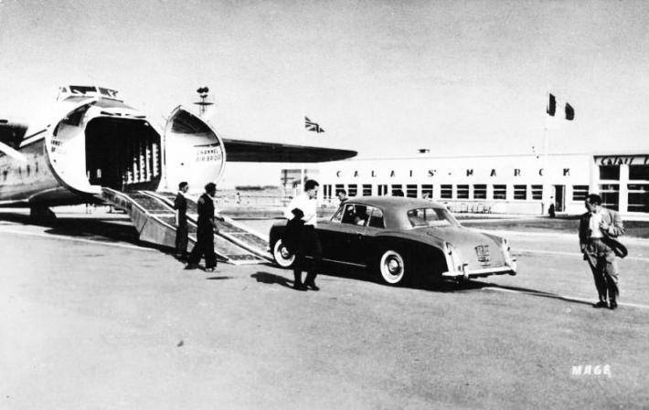 aeroport-de-calais-marck-en-1950.jpg