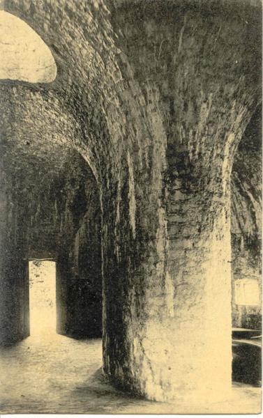 ambleteuse-interieur-du-fort-vauban-les-voutes-herve-tavernier-calais.jpg