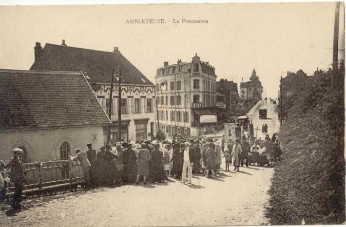 ambleteuse-la-procession-herve-tavernier-calais-blog.jpg