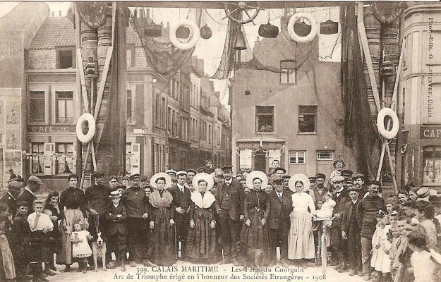 arc-de-triomphe-en-1908-herve-tavernier-calais.jpg
