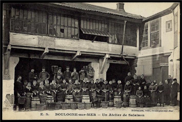 boulogne-sur-mer-un-atelier-de-salaison.jpg