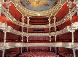 calais-interieur-du-theatre-herve-tavernier-calais.jpg