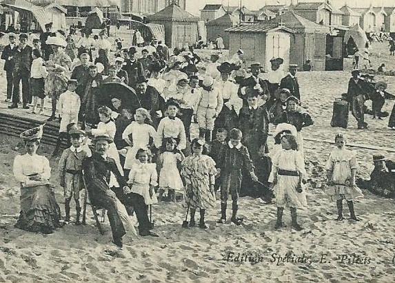 calais-la-foule-a-la-plage-ou-sont-les-maillots-de-bain-ch'ti-ancien-vieux.jpg