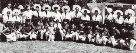 calais-les-dames-de-la-halle-groupe-folklorique-de-calais-herve-tavernier-calais-1.jpg