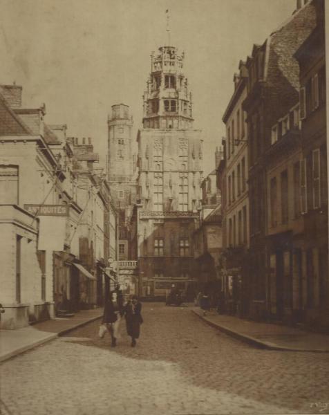 calais-rue-de-la-citadelle-par-le-photographe-paul-villy-ancien-calais-vieux.jpg