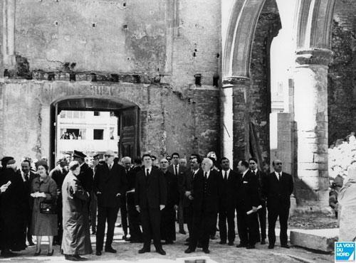 calais1966-eglisenotredame-visite-du-general-de-gaulle-a-calais-herve-tavernier-calais.jpg
