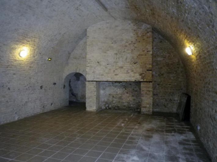 citadelle-salle-et-cheminee.jpg