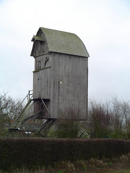 coquelles-moulin-sans-ses-ailes-herve-tavernier-calais.jpg