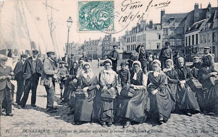 dunkerque-femmes-de-marins-attendant-le-retour-des-pecheurs.jpg