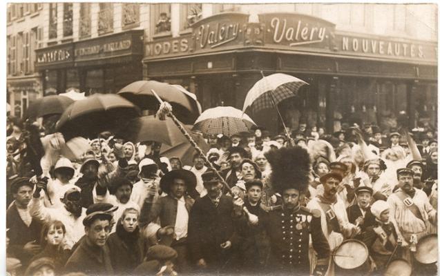 dunkerque-la-bande-des-pecheurs-carnaval-1912-herve-tavernier-calais.jpg