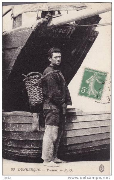 dunkerque-pecheur-devant-son-bateau-herve-tavernier-calais.jpg