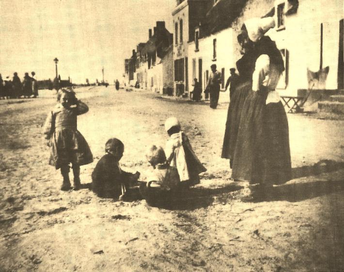 Etaples enfants dans la rue
