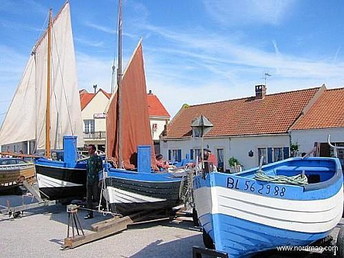 flobart-a-audresselles-bateaux-d-echouage-typiques-de-la-cote-d-opale.jpg