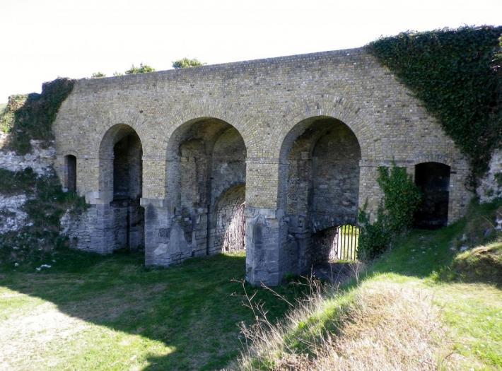 fort-nieulay-les-entrees-des-eaux.jpg