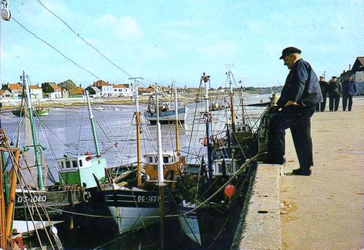 grand-fort-bateaux-a-quai.jpg