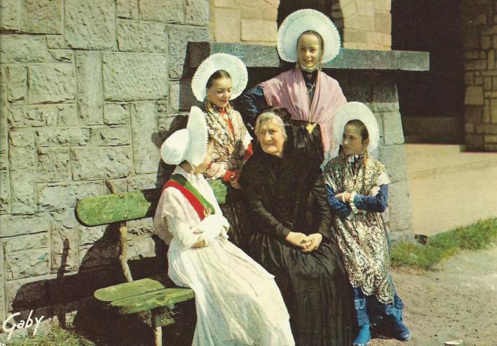 groupe-folklorique-calais.jpg