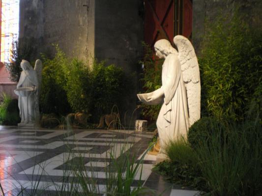 ange église notre dame de calais bénitier herve tavernier calais.jpg