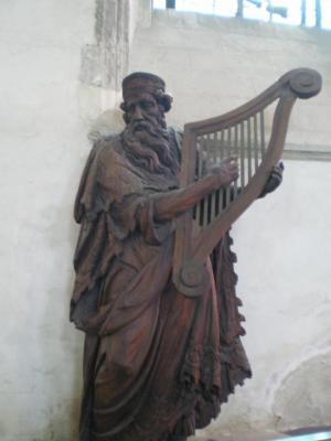 statue du buffet d'orgue notre dame calais herve tavernier calais.jpg