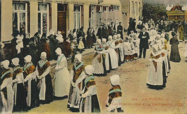 le-portel-la-grande-procession-filets-aux-murs-1.jpg