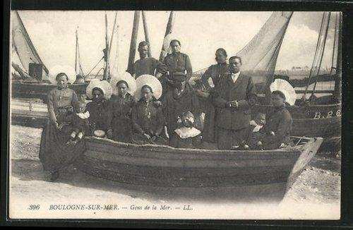 n-boulogne-famille-de-pecheurs-dans-un-bateau-herve-tavernier-calais.jpg