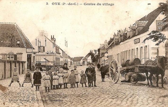 oye-plage-une-rue-du-village-herve-tavernier-calais.jpg