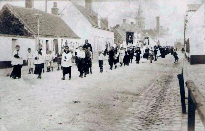 oye-plage-procession.jpg