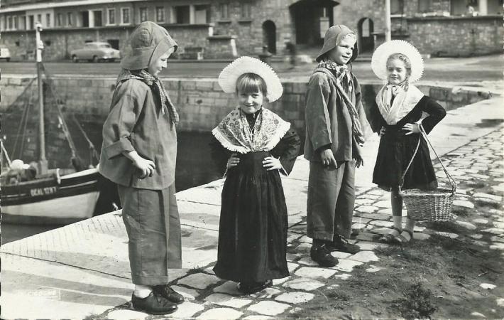 groupe-enfants-folklore-calaisien.jpg