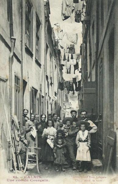 linge-seche-dans-la-rue-du-courgain.jpg
